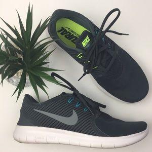 NIKE Women's Free Run Running Shoes